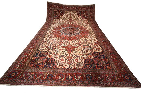 356804 Bakhtiar Shahrkord Circa 1930 Good Condition Size 561 X 358 Cm 13 600x399