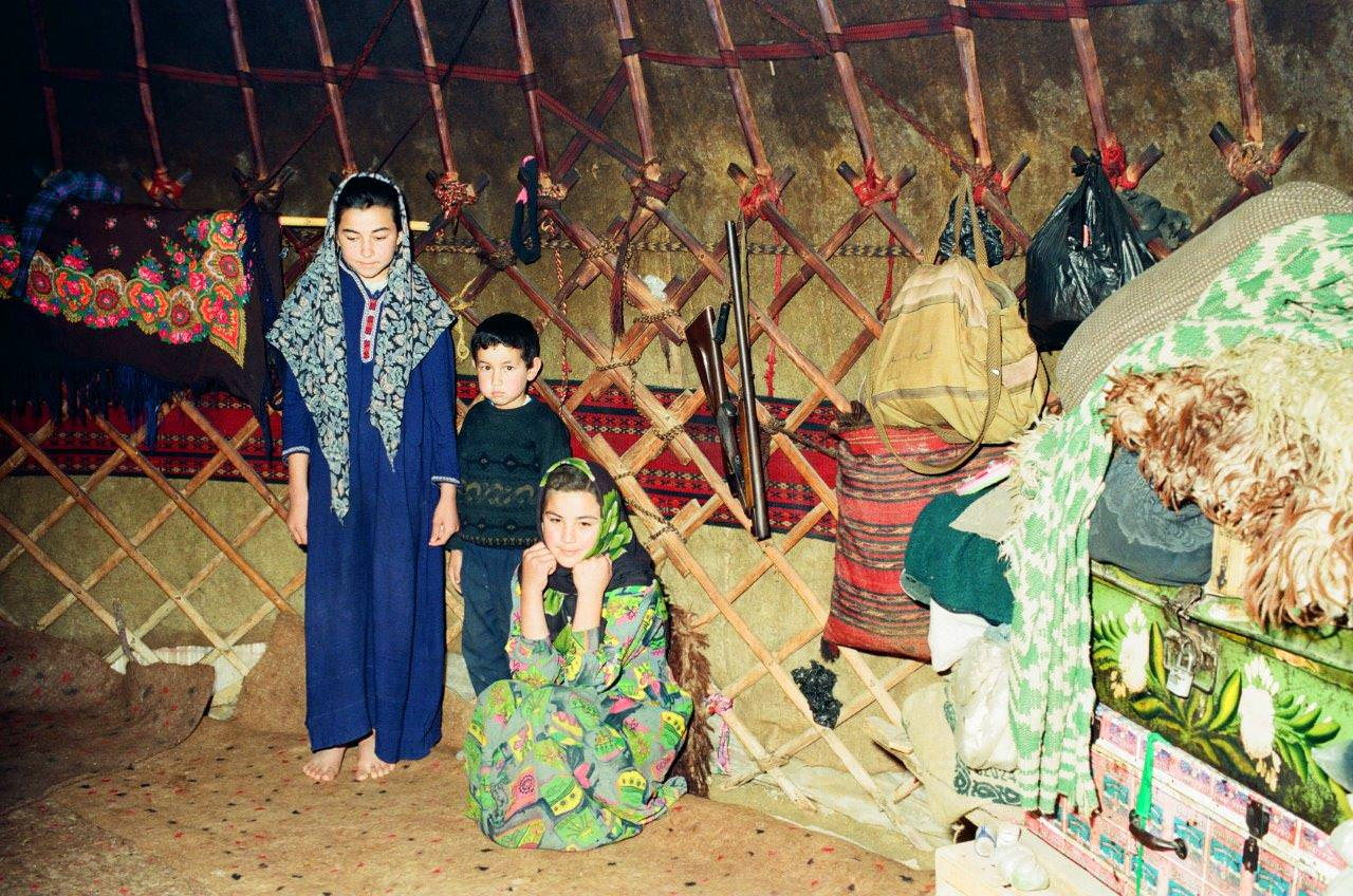 Turkman Tribal Rug weaving