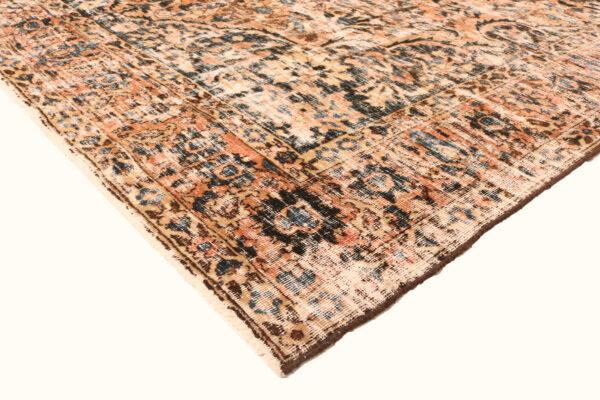 362149 Bakhtiar Vintage 310 X 211 2 600x400