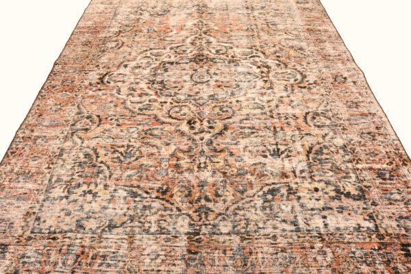 362149 Bakhtiar Vintage 310 X 211 3 600x400