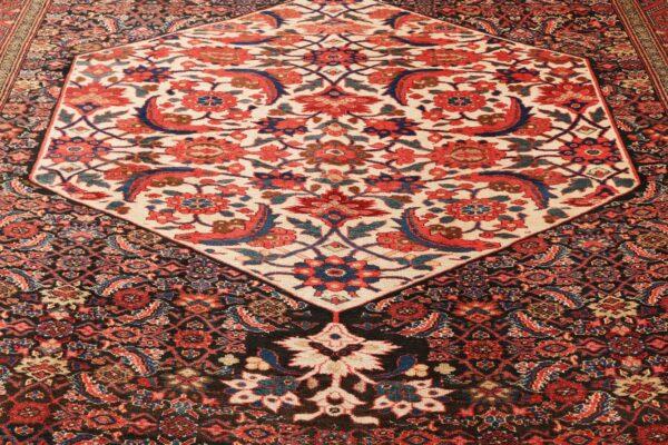 330403 Bidjar Circa 1920 Very Good Condition Size 557x202cm 11 600x400