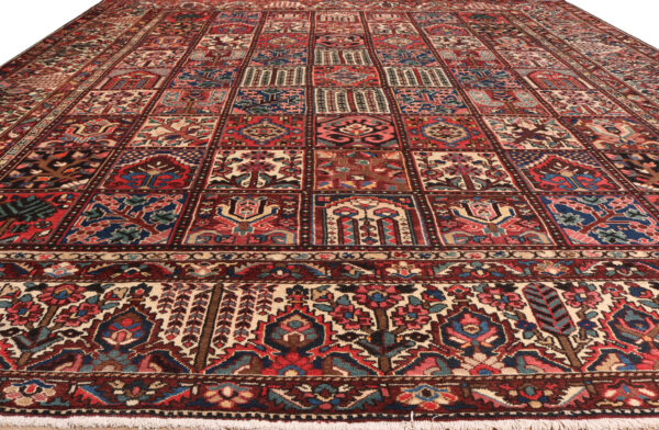 340476 Bakhtiar Circa 1930 Good Condition Size 447 X 362 Cm 2 600x392