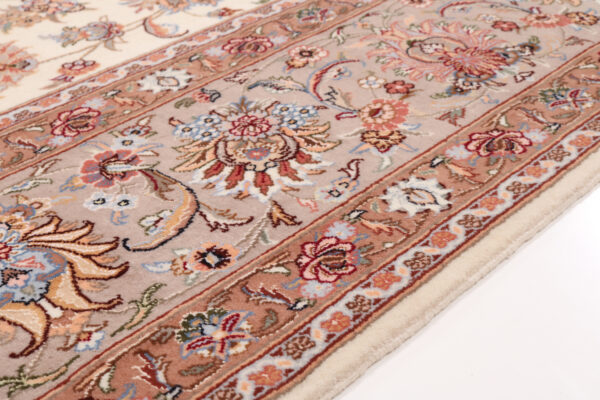 359219 Tabriz Fine With Silk Highlights Size 403 X 294 Cm 7 600x400