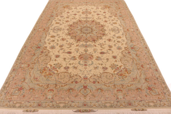 347061 Tabriz Fine On Silk Foundation And Part Silk Size 306 X 200 Cm 17 600x400
