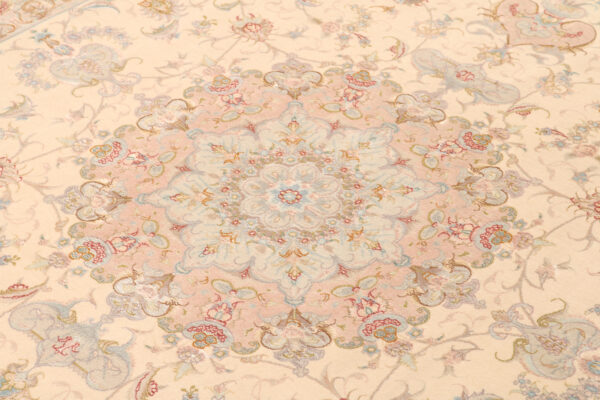 347061 Tabriz Fine On Silk Foundation And Part Silk Size 306 X 200 Cm 3 600x400