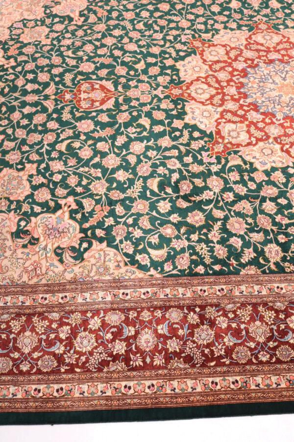 359210 Qum Silk Size 301 X 199 Cm 2 600x900