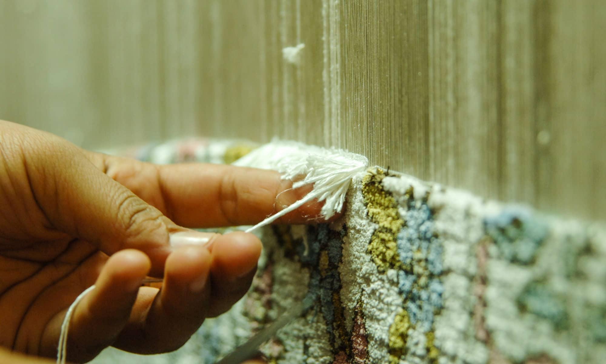 Handmade rugs vs Machine-knotted rugs