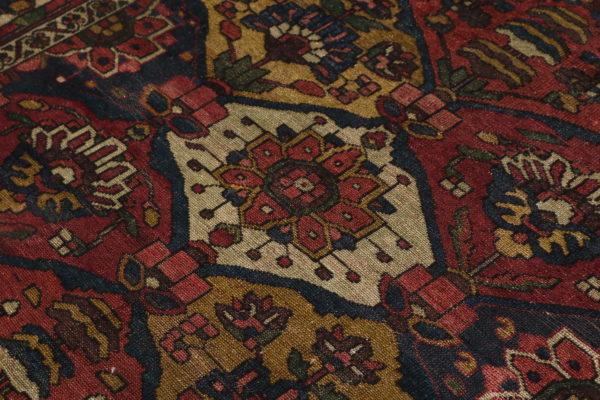 359948 Bakhtiar Circa 1900 Size 202 X 143 Cm 3 600x400