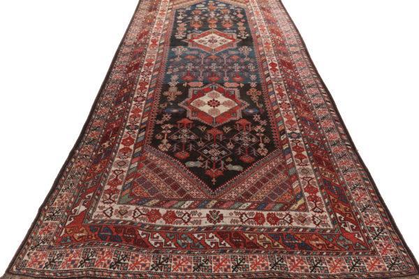 357334 Bakhtiar CIRCA 1900 Size 430 X 221 Cm 2 600x400