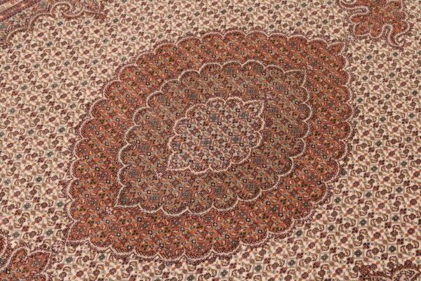 344602 Tabriz With Silk Highlights Size 241 X 173 Cm 4 600x400